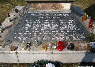 Jászjákóhalma II.vh emlékmű átalakítás után 2011.03.11 küldő-kalyhas (3)