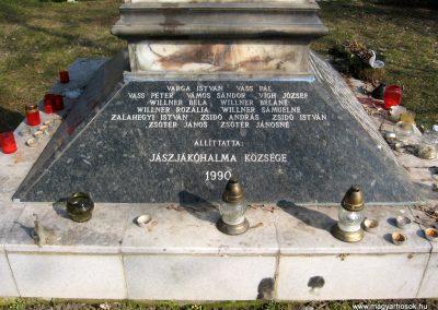 Jászjákóhalma II.vh emlékmű átalakítás után 2011.03.11 küldő-kalyhas (6)