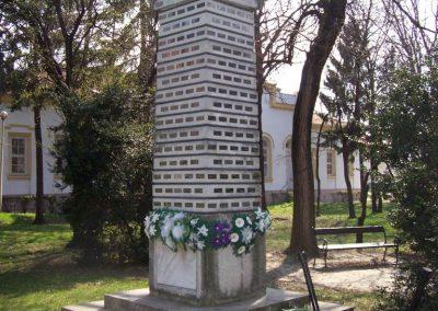 Jászladány II.vh emlékmű 2009.04.08.küldő-miki
