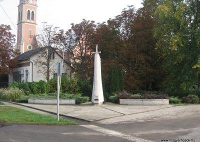 Jászszentandrás II.vh emlékmű 2008.10.16. küldő-Kályhás (3)