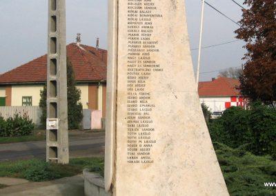 Jászszentandrás II.vh emlékmű 2008.10.16. küldő-Kályhás (6)
