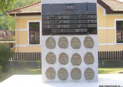Jósvafő világháborús emlékmű 2008.08.13. küldő-Tamás2 (1)
