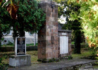 Jobbágyi világháborús emlékmű 2010.10.21. küldő-kalyhas (1)