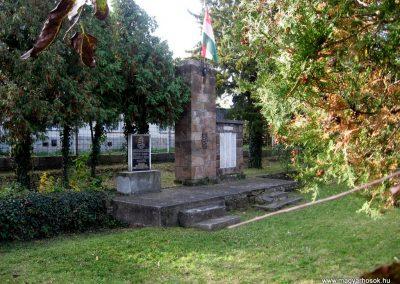 Jobbágyi világháborús emlékmű 2010.10.21. küldő-kalyhas