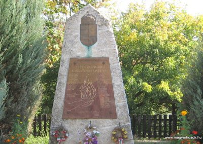 Kács világháborús emlékmű 2007.09.24. küldő-kalyhas