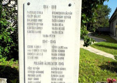 Kádárta világháborús emlékmű 2013.06.30. küldő-Méri (1)