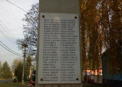 Kál Hősi emlékmű 2006.11.19. küldő-Kályhás (2)