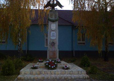Kál Hősi emlékmű 2006.11.19. küldő-kalyhas