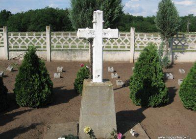 Kál temető világháborús emlékhely 2007.06.11. küldő-kalyhas (1)