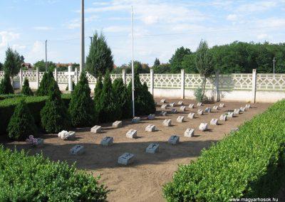 Kál temető világháborús emlékhely 2007.06.11. küldő-kalyhas (2)