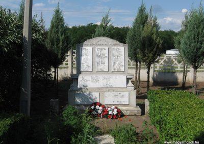 Kál temető világháborús emlékhely 2007.06.11. küldő-kalyhas (3)