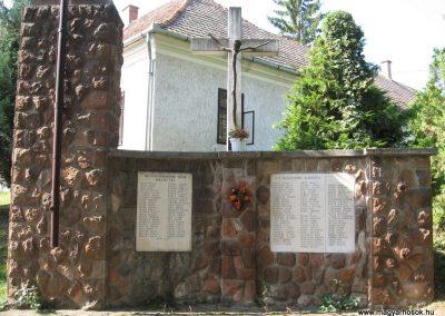 Kálló világháborús emlékmű 2009.09.28. küldő-kalyhas (2)
