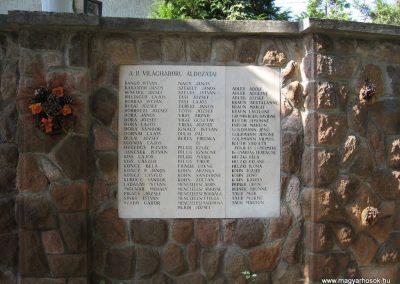 Kálló világháborús emlékmű 2009.09.28. küldő-kalyhas (4)