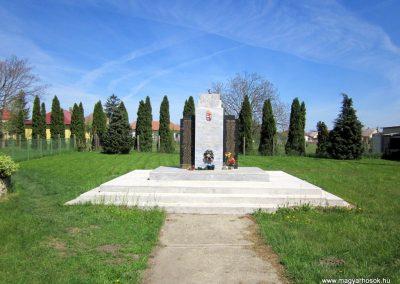 Kállósemjén II.világháborús emlékmű 2012.04.27. küldő-kalyhas