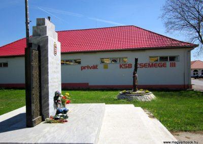 Kállósemjén II.világháborús emlékmű 2012.04.27. küldő-kalyhas (7)