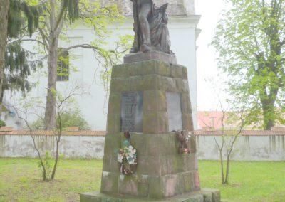 Kálmáncsa világháborús emlékmű 2010.04.16. küldő-Sümec (4)