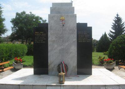 Kálmánháza világháborús emlékmű 2009.07.02.küldő-kalyhas (1)