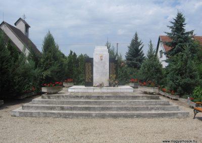 Kálmánháza világháborús emlékmű 2009.07.02.küldő-kalyhas (3)