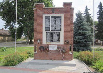 Kántorjánosi világháborús emlékmű 2013.06.22. küldő-kalyhas (2)