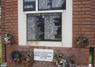 Kántorjánosi világháborús emlékmű 2013.06.22. küldő-kalyhas (5)