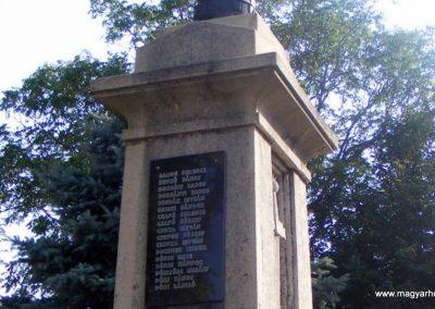 Kápolnásnyék világháborús emlékmű 2012.06.30. küldő-Méri (3)