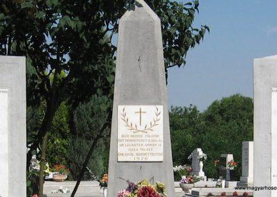 Kápolna világháborús emlékmű 2007.06.12. küldő-kalyhas (2)