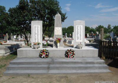 Kápolna világháborús emlékmű 2007.06.12. küldő-kalyhas