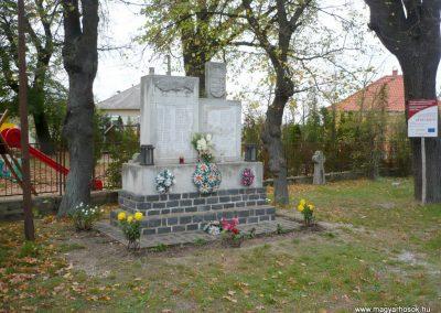 Káptalanfa világháborús emlékmű 2013.10.30. küldő-Sümec