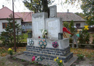Káptalanfa világháborús emlékmű 2013.10.30. küldő-Sümec (7)