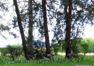 Káptalantóti I. vh. Alsó temető, jelképes sírok