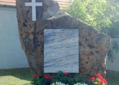Káptalantóti II.világháborús emlékmű 2010.08.05. küldő-Horváth Zsolt