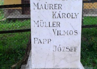 Kára világháborús emlékmű 2014.08.24. küldő-Huber Csabáné (5)