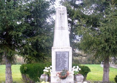 Kávás II. világháborús emlékmű 2013.12.29. küldő-HunMi (1)