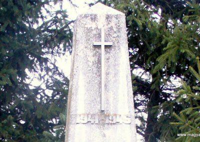 Kávás II. világháborús emlékmű 2013.12.29. küldő-HunMi (2)