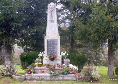 Kávás II. világháborús emlékmű 2013.12.29. küldő-HunMi (4)