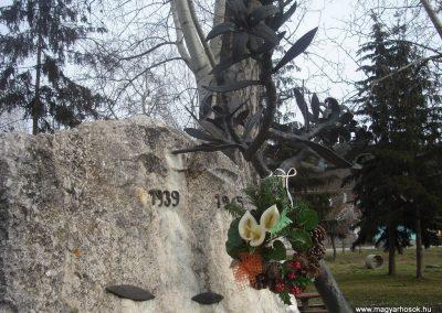 Káva II.vh emlékmű 2009.02.13.küldő-Huszár Peti (2)