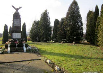 Kázsmárk világháborús emlékmű 2014.02.16. küldő-kalyhas (13)