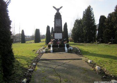 Kázsmárk világháborús emlékmű 2014.02.16. küldő-kalyhas