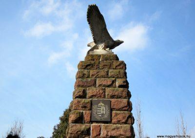 Kázsmárk világháborús emlékmű 2014.02.16. küldő-kalyhas (6)