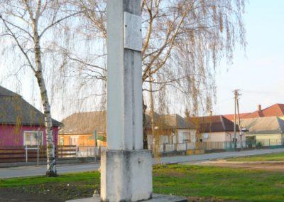 Kékcse világháborús emlékmű 2010.04.03. küldő-Ágca (4)