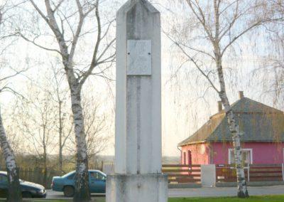 Kékcse világháborús emlékmű 2010.04.03. küldő-Ágca (5)
