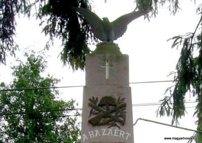 Kékesd világháborús emlékmű 2011.05.21. küldő-Bagoly András (2)