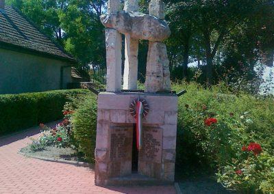 Kékkút világháborús emlékmű 2010.08.12. küldő-Csiszár Lehel (3)