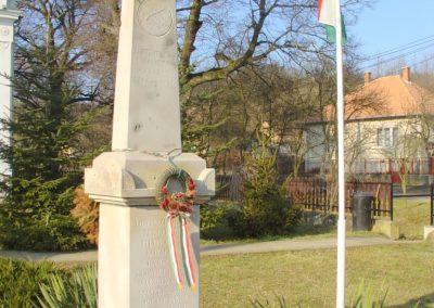 Kétbodony világháborús emlékhely 2008.02.12. küldő-Pfaff László, Rétság (1)
