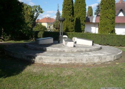 Kéthely II. világháborús emlékmű 2012.10.08. küldő-Sümec (13)