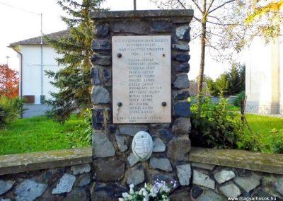 Kéttornyúlak II. világháborús emlékmű
