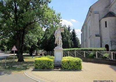 Kótaj világháborús emlékmű 2014.06.23. küldő-kalyhas (1)
