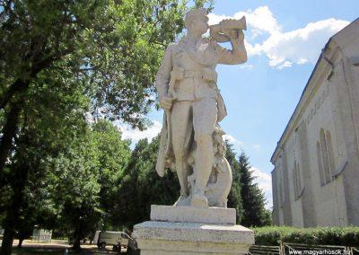 Kótaj világháborús emlékmű 2014.06.23. küldő-kalyhas (2)