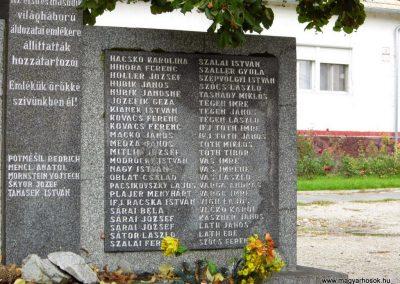 Köbölkút világháborús emlékmű 2014.09.15. küldő-Méri (4)