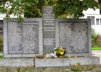Köbölkút világháborús emlékmű 2014.09.15. küldő-Méri (5)
